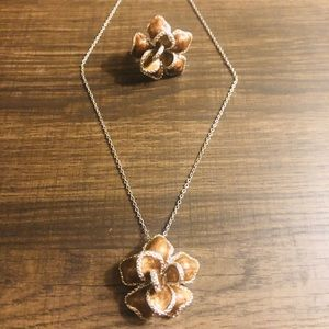 Flower necklace and ring